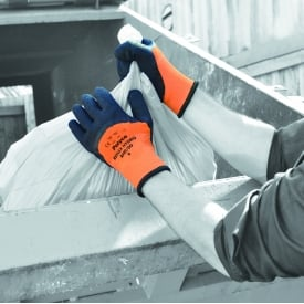 Reflex® Hydro High visibility thermal lined latex coated glove